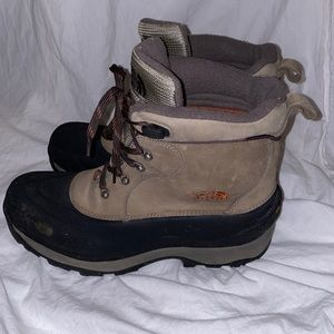 The north face waterproof boots 200g sz 14